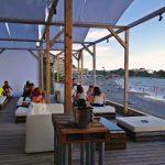 夏の終わり…葉山森戸海岸のカフェ「CABaN」にて